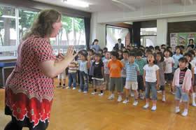 メゾソプラノ歌手サーニャ・キョウによるワークショップ(2009年5月東京都小平市)